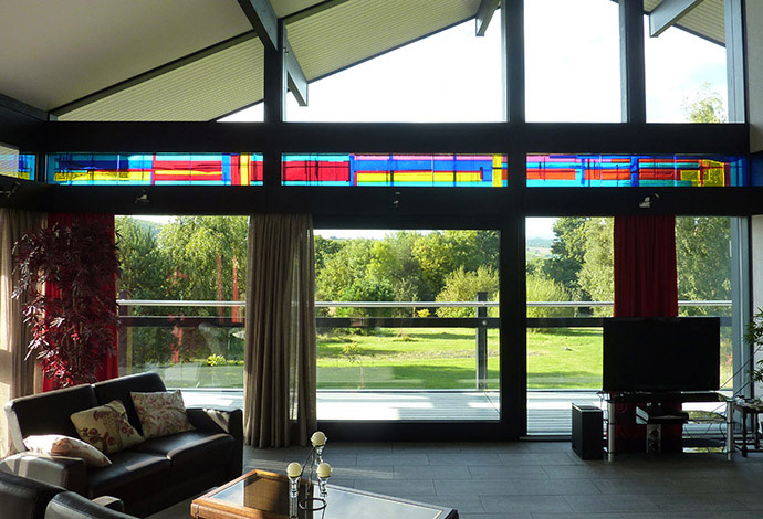 Fused glass, the new stained glass for modern architecture